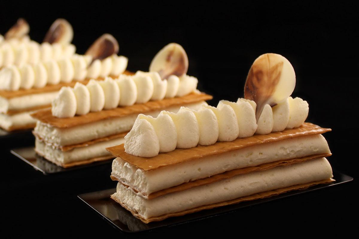 Croccante di pasta fillo con ganache montata al cioccolato bianco e vaniglia bourbon